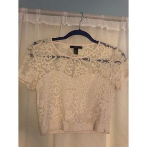 cream crop ~ lace detailing